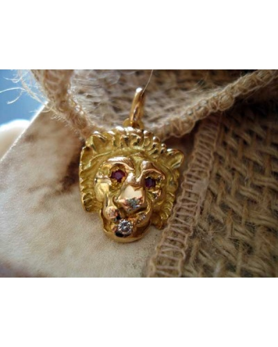 750 Yellow Gold and Diamond Lion's Head Pendant