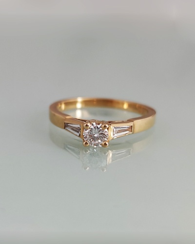 Bague solitaire diamants or jaune 750 Alain Roure