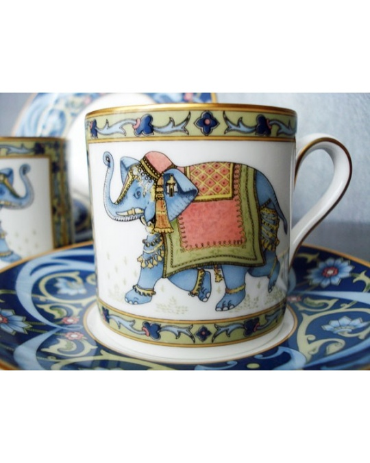 tasse a cafe de collection blue elephant en porcelaine anglaise wedgwood. Black Bedroom Furniture Sets. Home Design Ideas